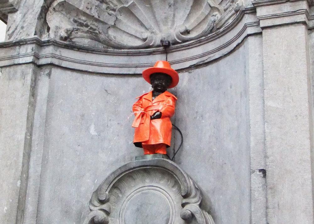 ブリュッセル小便小僧 衣装